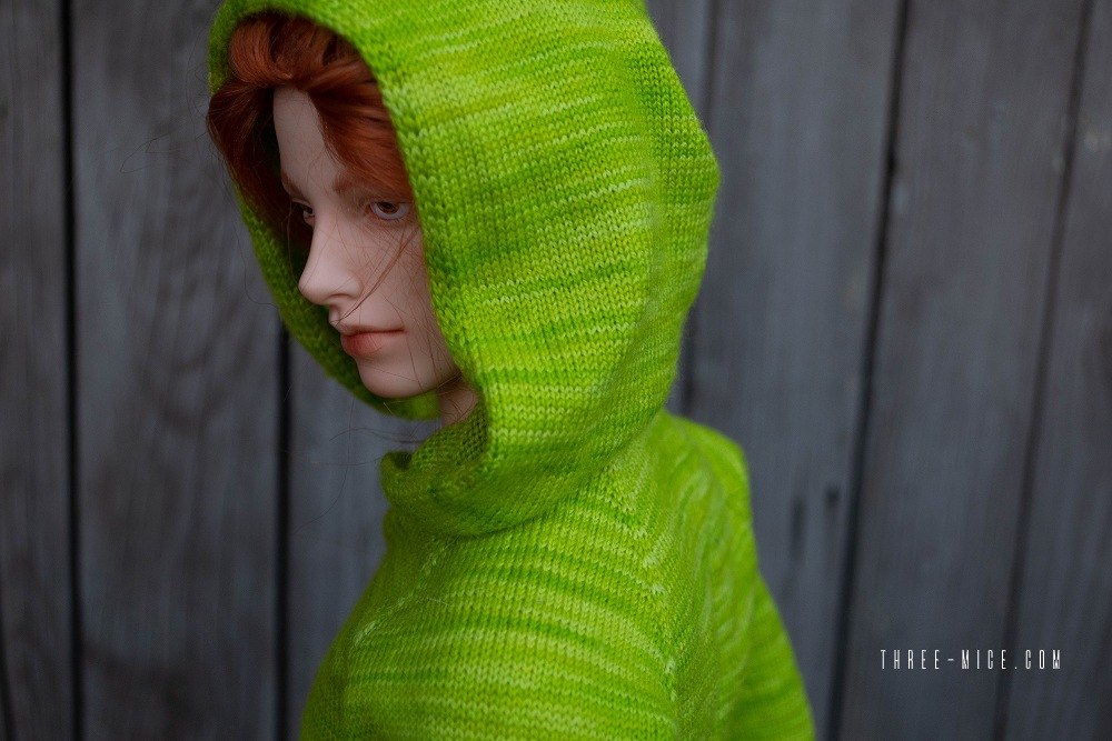 Handknitted apple-green hoodie for 70cm BJD boy / Pygmalion Teia 71
