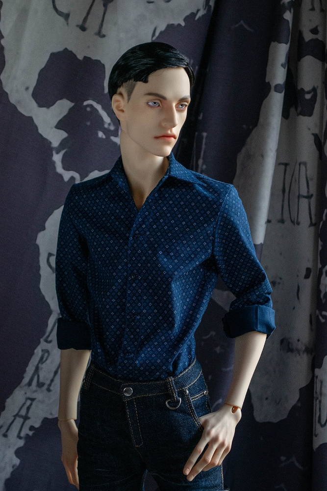 Slim fitted shirt for LLT Ballerino Body is sewn from fine cotton fabric